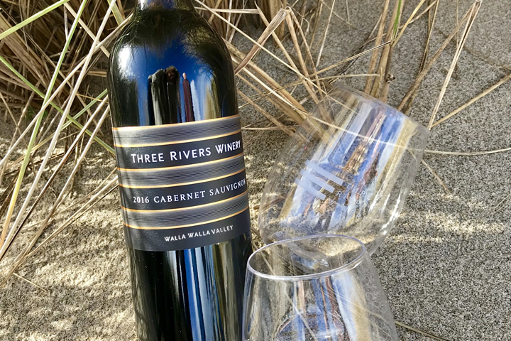 Three Rivers Winery Cabernet Sauvignon bottle with 2 GoVino glasses
